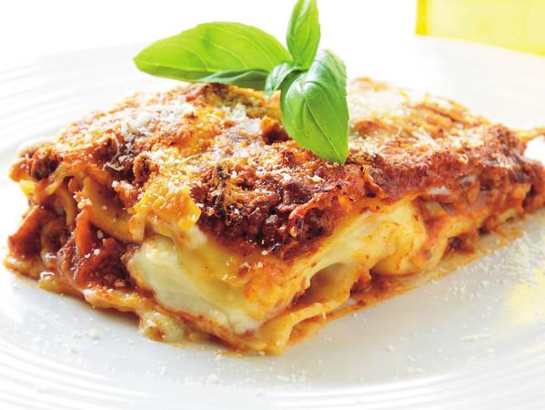 Carnevale in Campania a tavola, la Lasagna napoletana con ricotta