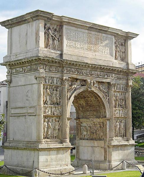 Visitare Benevento Arco di Traiano visit campania