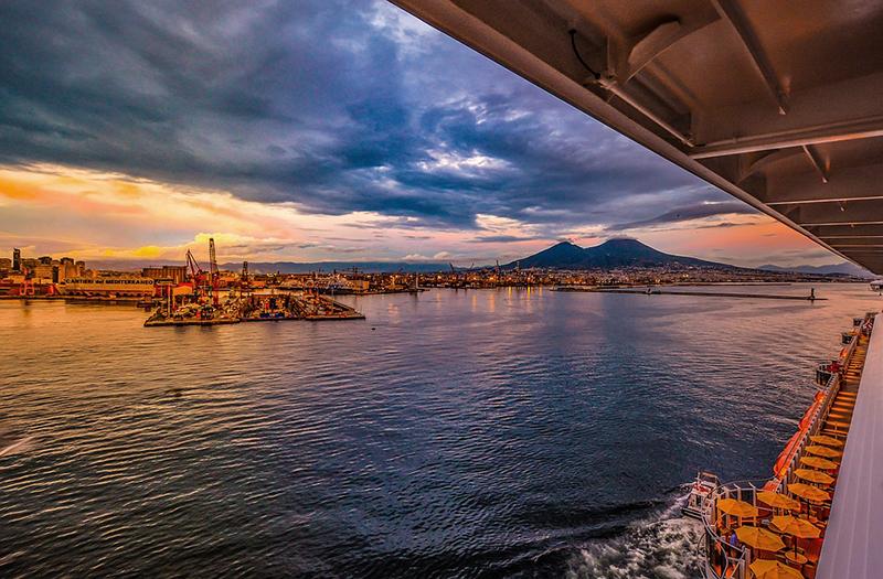 Le passeggiate del cuore nei luoghi più romantici di Napoli